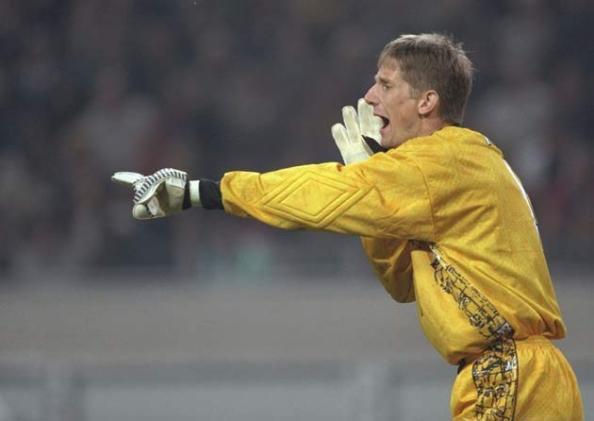 Van De Sar keeps goal