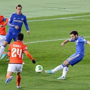 Juan Mata scores Chelsea's 3rd goal in the Semi final