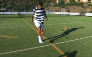 Hachim Mastour shows his juggling skills