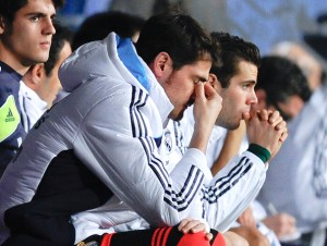 Iker Casillas can barely watch against Malaga