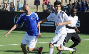 Enzo and his Father play in a charity game together (Image from tocachat.com)