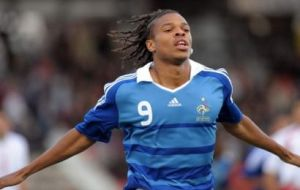 French International Loïc Rémy  (Image from Reuters)