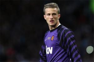 Lindegaard believes players will accept a gay teammate (Image from Bleacher report)