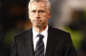 Worrying times for Pardew (Image from Getty)