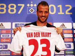 Van der Vaart resigns for Hamburg (Image from PA)