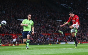 Van Persie strike Aston Villa should be a contender  (Image from PA)