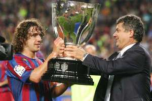 Vilar was on hand last season to present the trophy to Barcelona  (Image from AFP)
