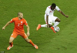 Krul saves from Umana to send Holland through  (Image from AFP)
