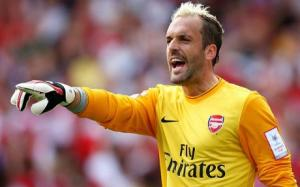 Manuel Almunia has been forced to retire due to a heart condition (Image from Getty)