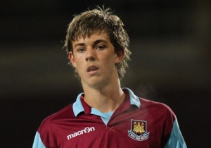 Dylan Tombides who died following his battle with testicular cancer  (Image from Getty)