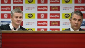 Dalman (right) sat dowmn with Solskjaer in London after Tuesdays defeat to end the Norwegians time in charge  (Image from Huw Evans Photos )