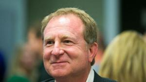 Phoenix Suns owner Sarver still holds an interest in buying Rangers (Image from Michael Schennum / The Arizona Republic)