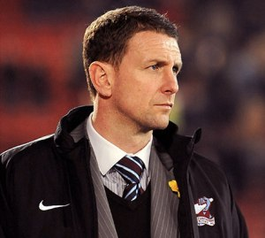 Ian Baraclough faces a fight with the SPL over playoff scheduling  (Image from Getty)