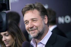 Self proclaimed Leeds fan Russell Crowe was rumoured to be considering buying the club  (Image from Reuters)