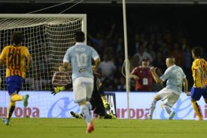 Iago Aspas fires Celta into a 3-0 lead in their emphatic 4-1 win over Barcelona (Image from Getty)