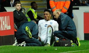 Gomez suffers an ACL tear playing for England Under 21's  (Image from EFA)