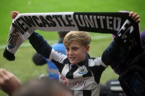 A move to Newcastle could appeal to Moyes if it was to become available (Image from NUFC)
