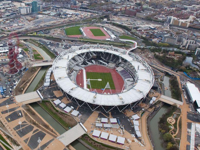 Olympic_Stadium_(London),_16_April_2012